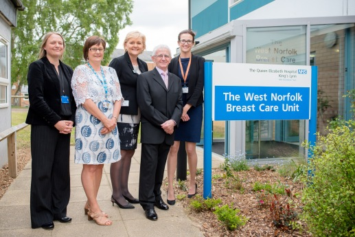 L-R: Photo 61 – Rachael Johnson (Consultant Onco Plastic Breast Surgeon), Angela Holford (Specialist Breast Care Nurse), Dorothy Hosein (Chief Executive) , Charles Hunniford, Amy Burger (Consultant Onco Plastic Breast Surgeon).