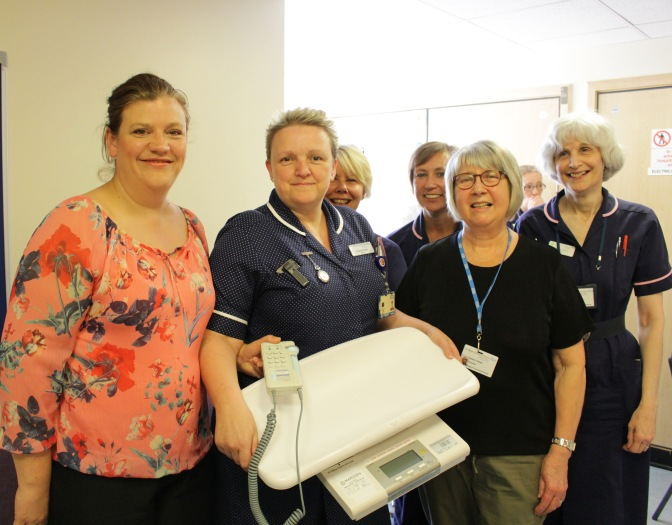 League of Friends thanked by Midwives for new equipment